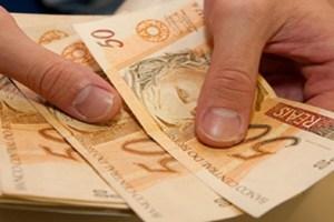 Homem tem R$ 56 mil roubados em estacionamento de shopping na Paraíba