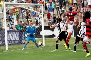 Treze vence o Campinense e tem vantagem nas semifinais do Campeonato Paraibano