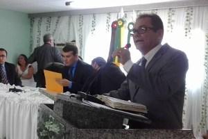 Vereador cobra do governo asfaltamento da estrada que liga Picuí a Nova Floresta
