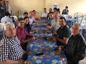 Adversários políticos do Seridó paraibano na mesma mesa