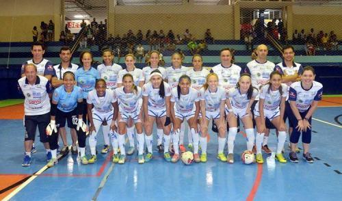 Futsal feminino de São José estreia com vitória nos Abertos