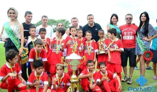 Grêmio Tipês bate o Etna e leva o título do futebol Sub9 em Pinda