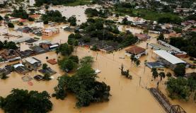 Enchente no Acre mata duas pessoas