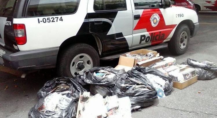Polícia faz grande apreensão de CDs e DVDs piratas em Pinda