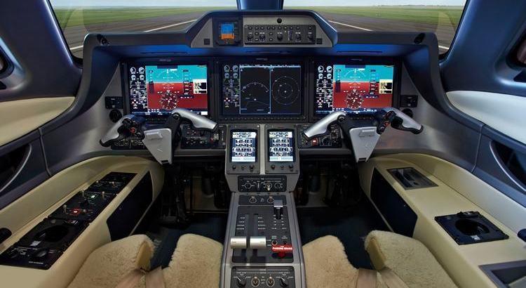 Embraer lança evolução do jato executivo Phenom 100