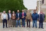Miembros de la Sociedad con el autor y el Secretario Xeral (2º y 5º por la izquierda)