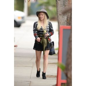 Inspiring Los Angeles January 2015 3 Hilary Duff Lear Pants 2018 Hilary Duff Engagement Mini Skirt Out Hilary Duff Shows Off Her Legs