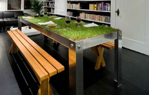 picNYC-TABLE-TRANSFORMS-DINING-INTO-URBAN-PICNIC1