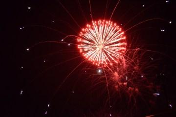 fireworks-spray