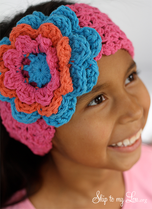 How to make a crochet ear warmer. These would make such fabulous gifts!