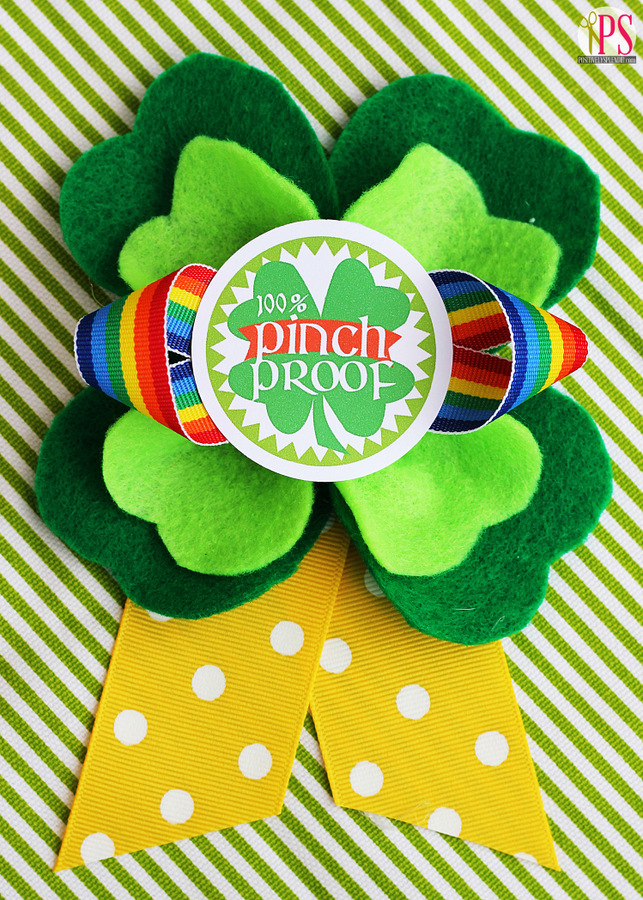 Pinch-proof St. Patrick's Day badges with free printables