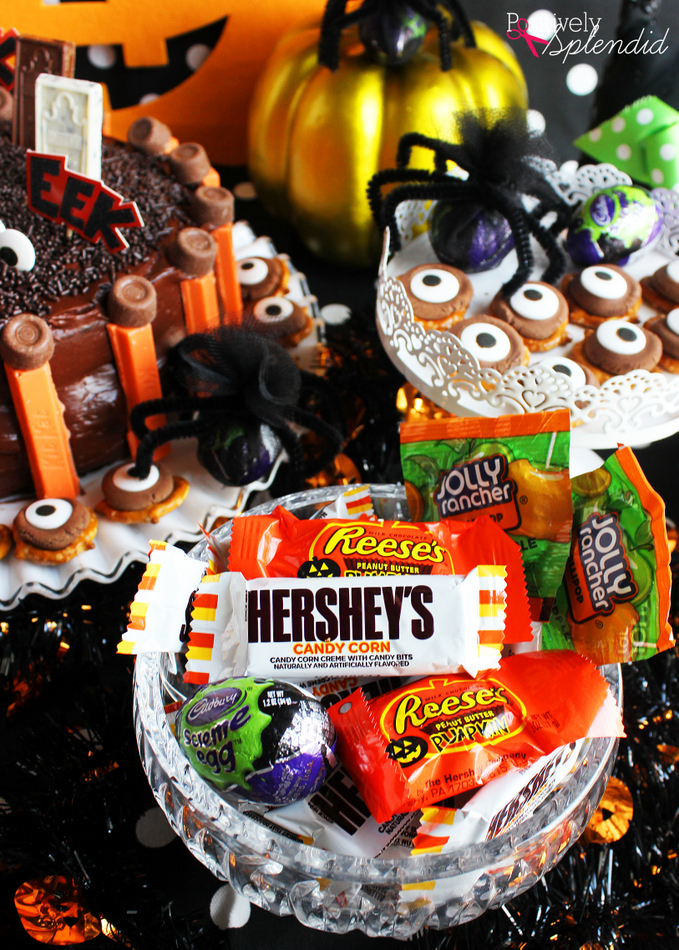 Easy and Fun Kids' Halloween Party Ideas #HersheysHalloween