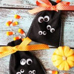Googly Eye Halloween Treat Bags