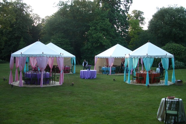 the-raj-tent-club-tent +5 Tips to Decorate Your Outdoor Wedding