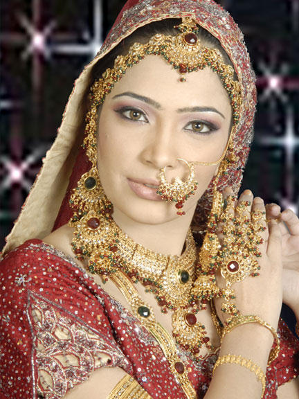 Latest-Pakistani-Bridal-Dresses-Makeup-and-Jewelry-4 Top Jewelry Trends That will Amaze YOU!