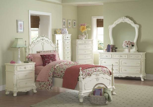 white-bedroom Stunning And Contemporary Victorian Decorating Ideas