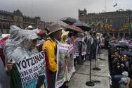 """""""Con una sonrisa cínica, el poderoso dice que nos escucha, que estamos del mismo lado"""", CNI a Ayotzinapa."""