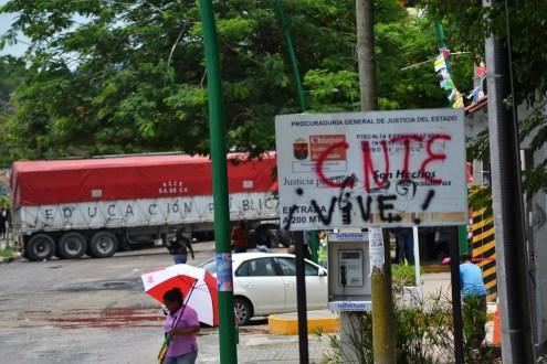 """""""Nos asiste la razón, vamos con todo en la defensa de la educación"""". La CNTE anuncia subir el nivel de las movilizaciones para respaldar el diálogo con Gobernación."""