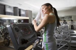 attractive-girl-on-treadmill