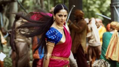 Actress Anushka Shetty HQ Pictures in Bahubali Telugu Movie