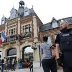 160726-france-church-attack-02