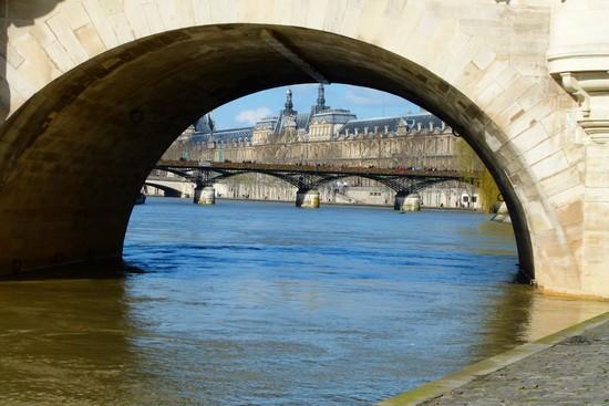 Na beira do Sena e no início da caminhada