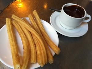 Chocolatería San Ginés - churros em Madrid