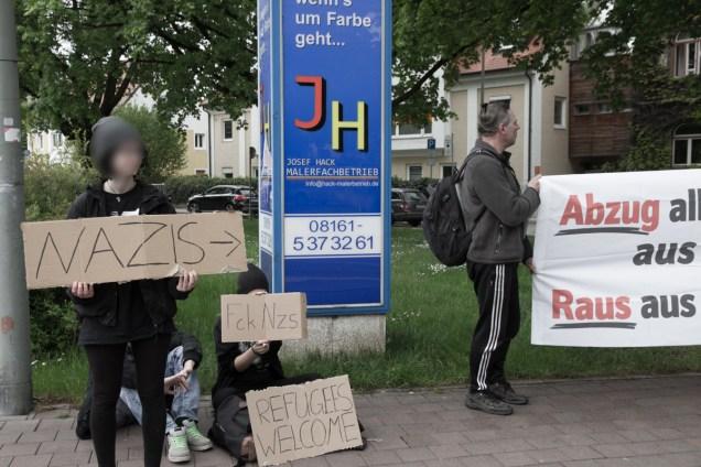 NPD_in_Freising_FCKNZS_12