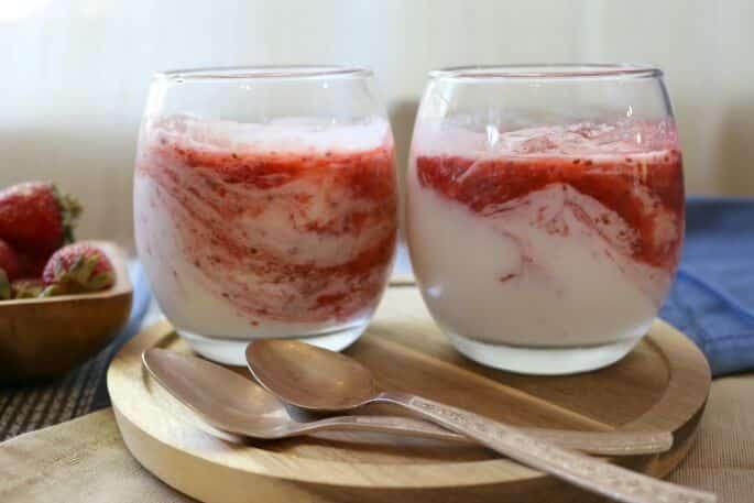 Strawberry Chia Yogurt Parfait