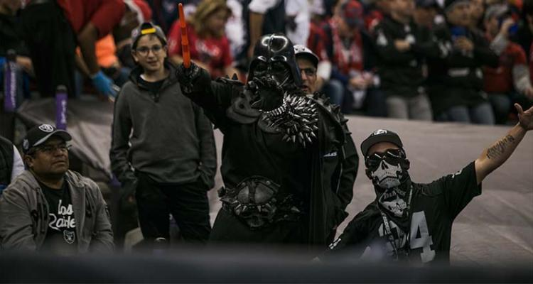 fans-raiders-mexico