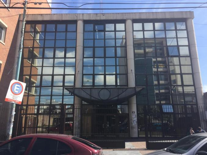 Frente de la Fiscalía donde funciona la UFI N° 2, ubicada sobre la calle Colón 237 de Morón.