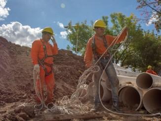 Ya comenzaron los trabajos en este nuevo frente de obra de cloacas de la región oeste