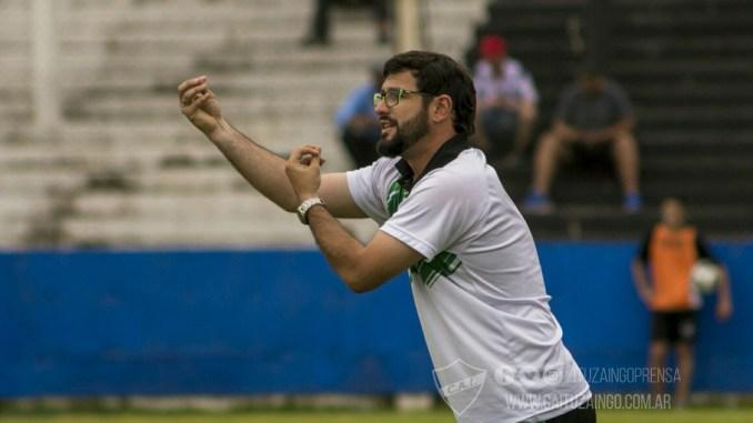 Diego Ayoroa deja el club con un ascenso y la permanencia garantizada en la Primera C, pese a la floja campaña actual