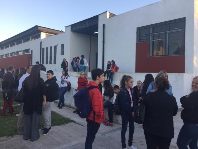 Vuelta a clases en la Escuela Nº 9 de Castelar