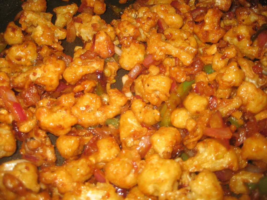 Cauliflower/ Gobi Manchurian with ginger-garlic rice