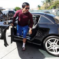 "Photos: ""Hollywood"" Manny Pacquiao works out at the Wild Card with packed house"