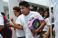 Desalojo en una escuela de Veracruz. Foto: Yahir Ceballos