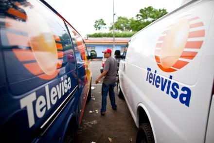 Las camionetas con logos de Televisa aseguradas en Nicaragua. Foto: AP / Esteban Félix