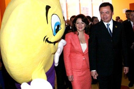 Laura Vargas y el titular de la Segob, Miguel Ángel Osorio Chong. Foto: Jorge Sánchez