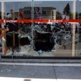 Oaxaca. Anarquistas irrumpen en bancos y comercios. Foto: Xinhua / Máx Nuñez