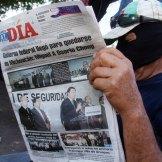 Y militares detienen a policías comunitarios en Buenavista. Foto: Enrique Castro