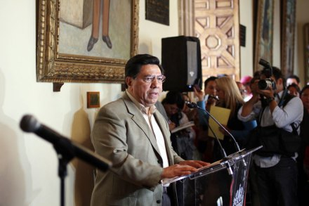 El gobernador interino de Michoacán, Jesús Reyna García. Foto: Enrique Castro