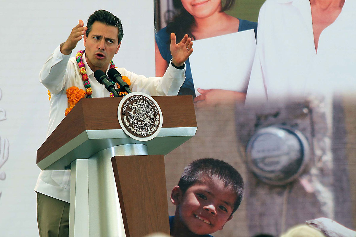 Peña Nieto durante su discurso en Apango, Guerrero. Foto: José Luis de la Cruz