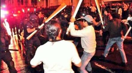 El operativo de desalojo de maestros en Xalapa. Foto: Tomada de Twitter.