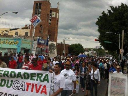 La movilización en apoyo a los maestros en Jalisco. Foto: #YoSoy132GDL