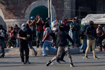 """La """"rebelión"""" anarquista del 2 de octubre. Foto: Miguel Dimayuga"""