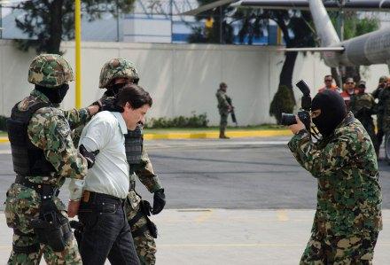 """La captura de Joaquín """"El Chapo"""" Guzmán en febrero de 2014. Foto: Xinhua / Miguel Pantaleón"""