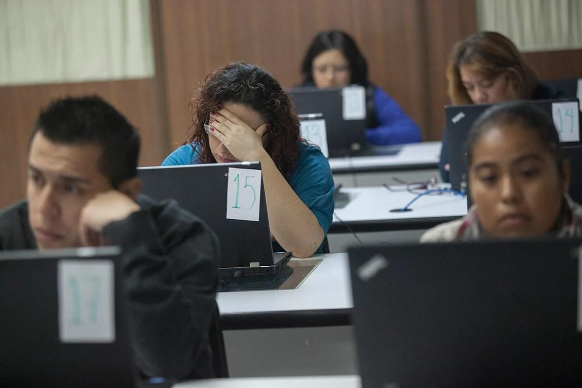 La aplicación de la evaluación docente. Foto: Octavio Gómez