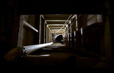"""El túnel por el que supuestamente escapó """"El Chapo"""" Guzmán. Foto: AP / Eduardo Verdugo"""