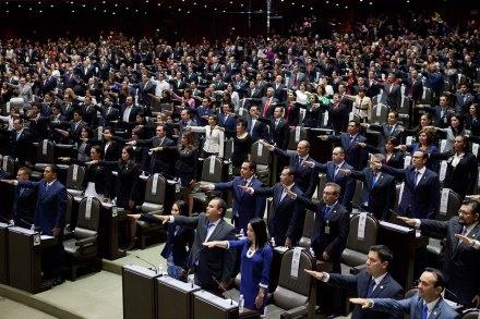 Diputados en San Lázaro. Foto: Eduardo Miranda